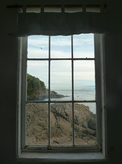 [IMAGE] Lime Kiln lighthouse view